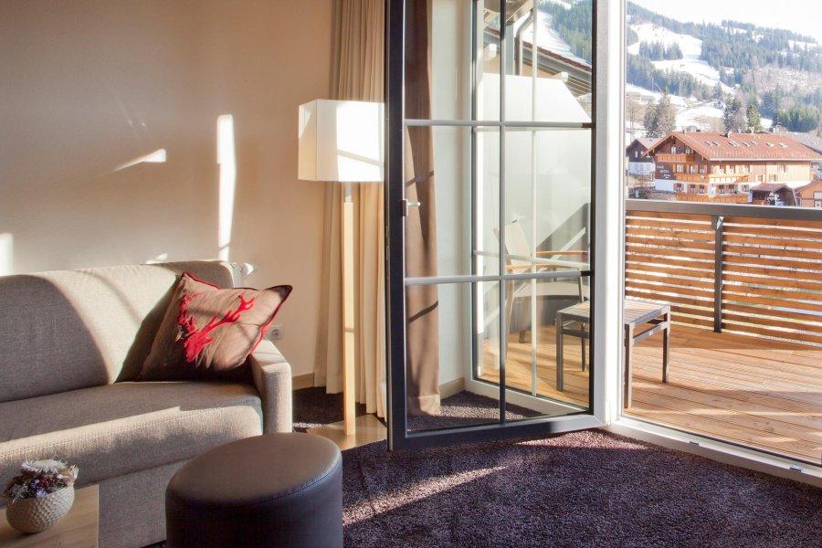 panoramahotel-oberjoch--blog-april-allergien-Foto1_Zimmer_mit_Teppich