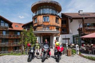 hoteloberstdorf-oberstdorf-motorrad-maenner