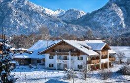 Winter-hotelaussen4366x2910 (2)