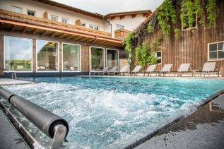 hanusel-hof-hellengerst-pool2