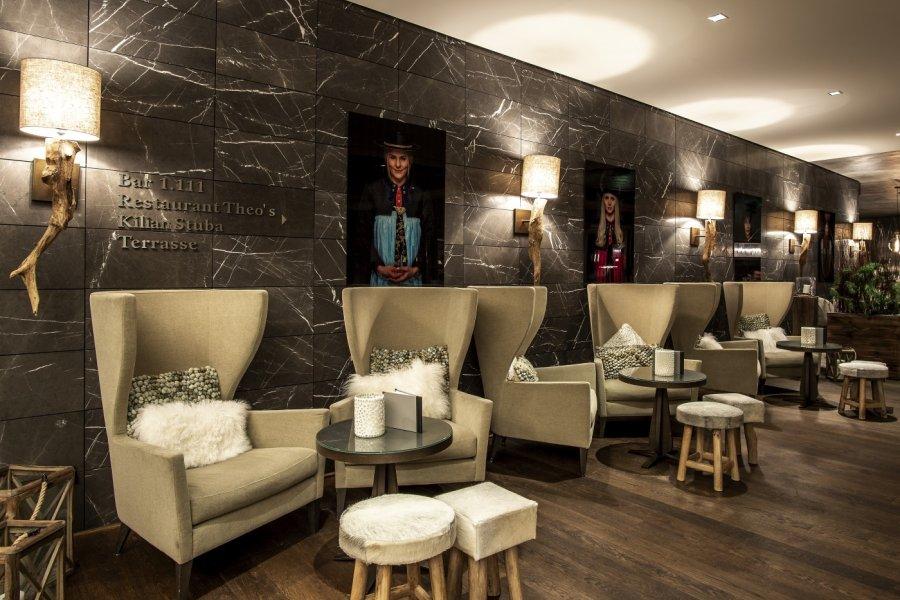 travel-charme-ifen-hotel-hirschegg-social-blog-design-ohrensessel