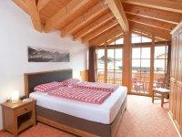 Schlafzimmer Ost mit Balkon