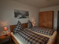 Schlafzimmer241