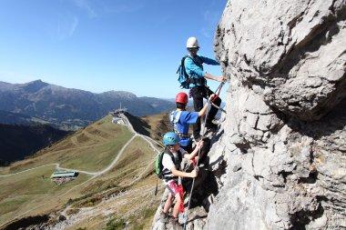 Klettern im Klettersteig