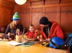 gemeinsames Mittagessen im Berghaus Schönblick