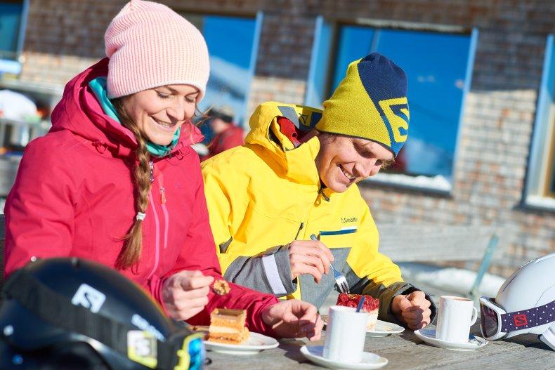 Kaffee & Kuchen auf der Terrasse