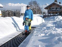 Gratis-Förderband in Söllis Winterwelt am Söllereck