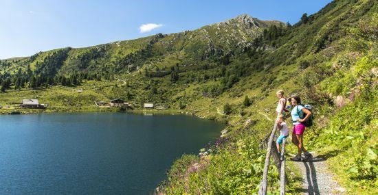 Der Falkertsee, perfekter Ausgangspunkt für Touren