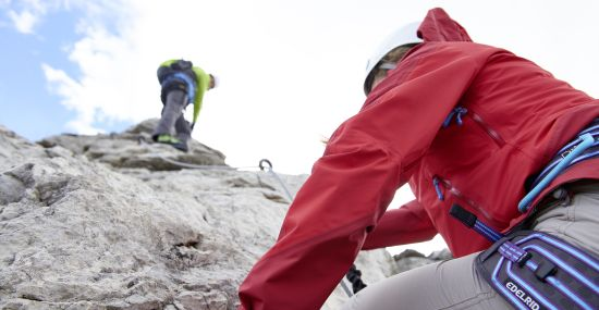 Kraft und Geschick am Klettersteig Nebelhorn im Allgäu