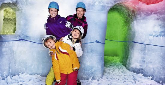 Familienparadies: Natur Eis Palast am Hintertuxer Gletscher
