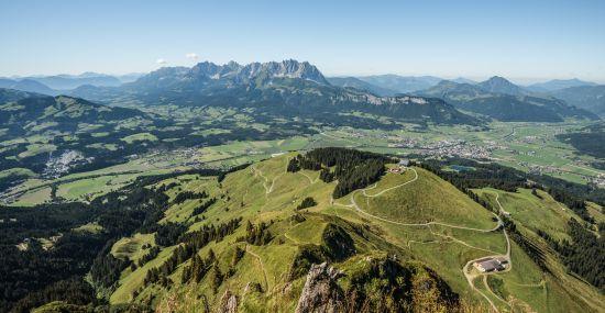 Vom Hotel aus kannst Du direkt den Anstieg auf das Kitzbüheler Horn in Angriff nehmen