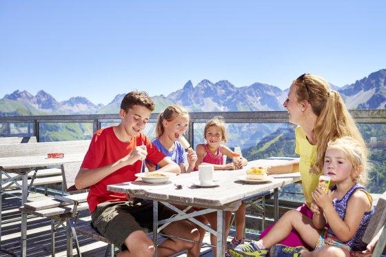 Mittagessen mit der Familie