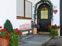 Eingang Alpennest Ferienwohnung, Ferienhaus mit Parkplatz s Oberstdorf