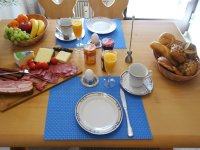 Die Zutaten zu einem leckeren Frühstück gibt's ganz in der Nähe zur Fewo