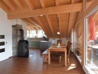 Essbereich mit Küche