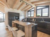 Hochwertige Küche mit Topausstattung