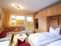 2Ferienwohnung150 Oberstdorf Wohnzimmer