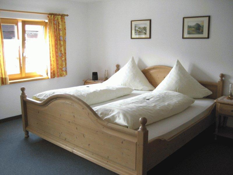 Schlafzimmer der Ferienwohnung Höfats