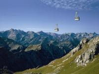 Nebelhornbahn mit Gipfelblick