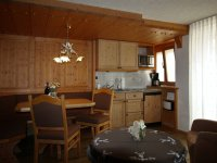 WZ, Esstisch, Küchenzeile 222