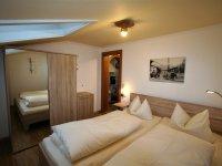 220 Schlafzimmer