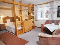 Freundlich, gemütlicher Wohnschlafraum (Bettenlänge 2m)