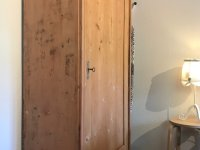 Schlafzimmer Schrank, Bügelbrett, Haus Steiner