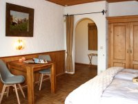 Ferienwohnung Nebelhorn Schlafzimmer