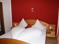 Schlafzimmer 2 Fewo Hörnerblick
