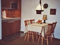 Essgruppe mit Küchenzeile