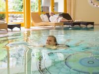 Schwimmen und relaxen