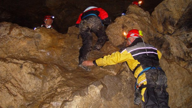 Höhlen Expedition - Klettern