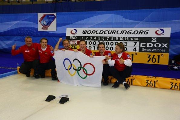 Siegerbild Curlingteam Dez2013-in-FuessenHP