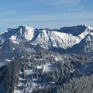 ICO-Hintergrundbild-Berge Aug18