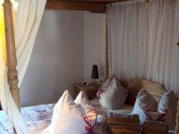 Fewo Elternschlafzimmer Himmelbett