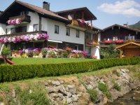 Landhaus Enzian im Sommer