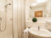 Badezimmer der Ferienwohnungen Nr. 2 und 4
