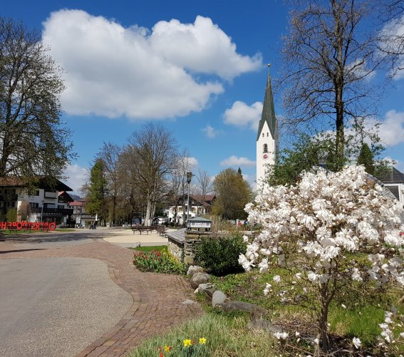 Frühling am Megever Platz