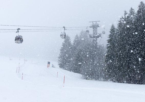 Schneefall an der Kanzelwand