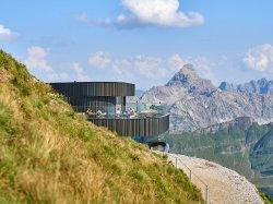 Blick auf das Gipfelrestaurant
