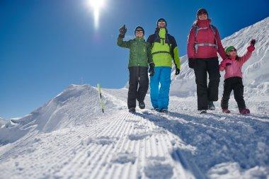 Mit der Familie die Bergwelt erkunden