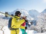 Ski auf die Schulter und los