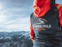 Ausgebildete, einheimische Skilehrer