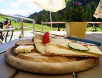 Brotzeit auf der Alpe Zunkleiten