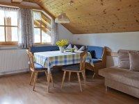 Wohn-Essbereich mit Küchenzeile